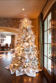 Christmas Tree Designs and Decor Ideas for 2014 8