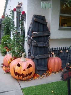 2015 Outdoor Halloween Decoration Ideas 12
