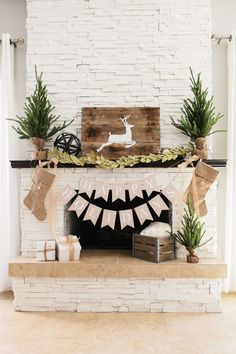 2016-christmas-mantel-decorating-ideas-25