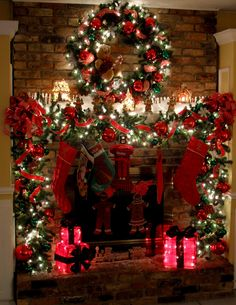 2016-christmas-mantel-decorating-ideas-30