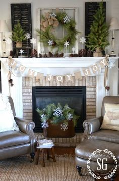 2016-christmas-mantel-decorating-ideas-43